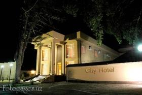 City Hotel - фото