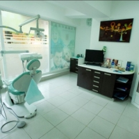Smile Dental Clinic на фото
