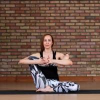 Yoga Club на фото